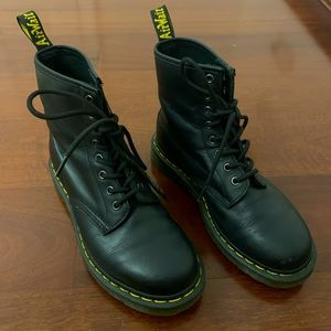 1460 smooth black Dr Martens - only been worn 3 times (in perfect condition).